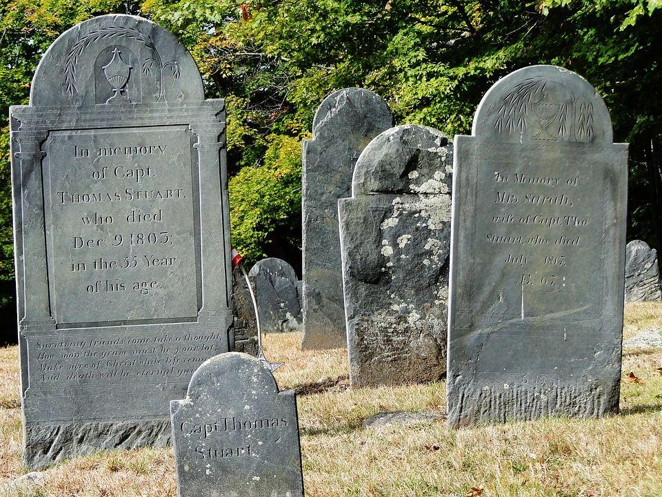 bare di un cimitero inglese
