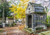 loculi e mausoleo nel cimitero